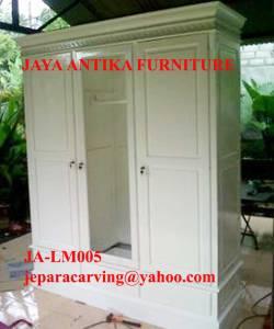 lemari pakaian pintu 3 cat duco putih